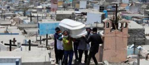 País tem mais de 500 mil vidas perdidas por covid-19 (Arquivo Blasting News)