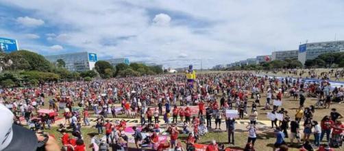 Protestos contra o presidente Bolsonaro reuniram milhares de pessoas em todo o País neste sábado (19) (Reprodução/Facebook/Mídia Ninja)
