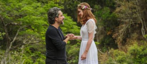 Alfredo e Ísis decidem se casar em 'Império' (Reprodução/Rede Globo)