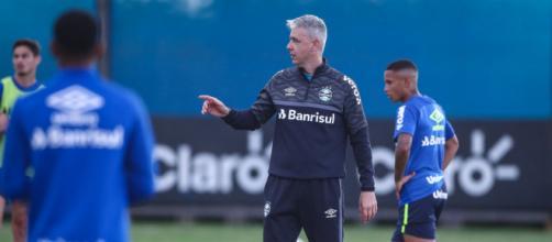 Grêmio testa opções no meio-campo (Lucas Uebel/Grêmio)