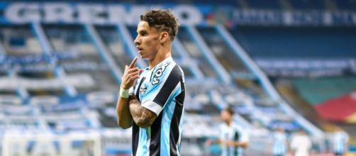 Pedido salarial é empecilho para fechar negócio (Lucas Uebel/Grêmio)