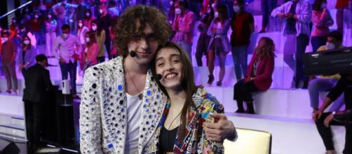 Sangiovanni e Giulia Stabile sulla copertina di Vanity Fair.