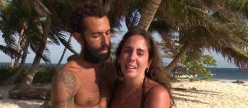 Hermoso momento en pareja con Anabel Pantoja y Omar Sánchez. (Twitter @Supervivientes)