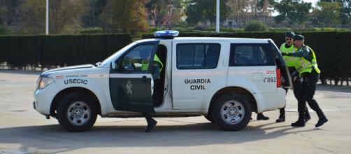 Imagen de 3 agentes de la Guardia Civil (Fuente: Flickr.com)