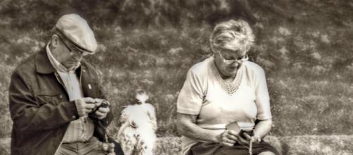 Imagen de una pareja de edad avanzada disfrutando del tiempo libre (Flickr.com)