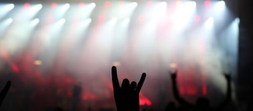 Shows lotados e energia hipnotizante eram a tônica do 'Thrash Metal' nos anos 1980 (Reprodução/Pixabay
