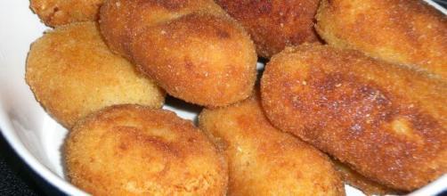 Imagen de un plato lleno de croquetas. (Fuente: Flickr.com)