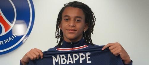 Ethan Mbappé, le frère de Kylian, a signé un contrat aspirant au Paris Saint-Germain (Credit : Paris Saint-Germain)