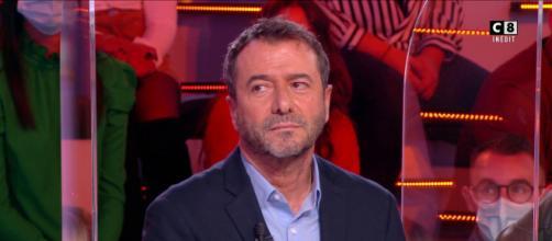 Le chroniqueur de TPMP Bernard Montiel. Source : capture d'écran C8