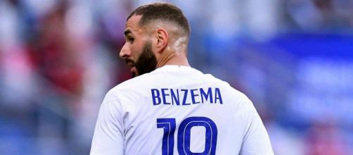 Karim Benzema sous le maillot des Bleus - Source : capture d'écran compte Twitter @RMadridFrance_