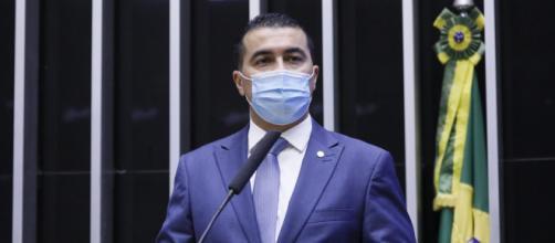 Ministério da Saúde: Bolsonaro disse que iria encaminhar as informações à Polícia Federal, disse Miranda à CPI da Covid. (Arquivo Blasting News)