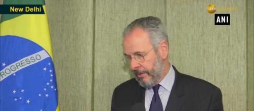 André Aranha Corrêa do Lago teria avisado Bolsonaro sobre contrato problemático para adquirir vacinas (Reprodução)