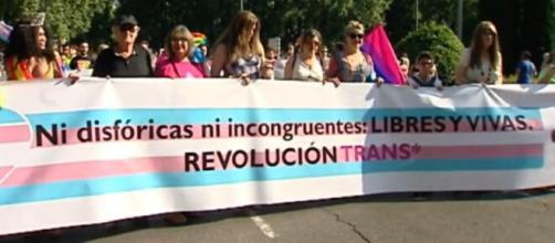 Manifestación Trans tras la aprobación de la Ley Trans (Telecinco)