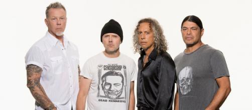 Metallica: pubblicata la versione alternativa di Sad But True.