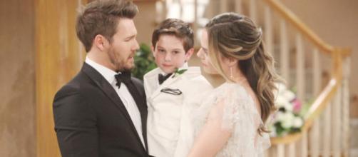 Beautiful: Liam chiede a Hope di diventare sua moglie.