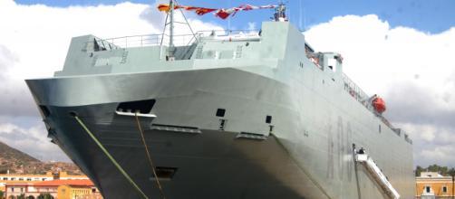 """El imponente """"Ysabel"""", nuevo buque logístico de la Armada Española. (Foto: Antonio Rodríguez)"""