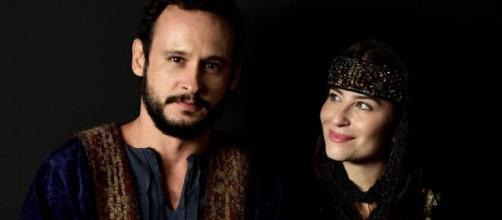 Isaque e Rebeca se encontram em 'Gênesis' (Divulgação/Record TV)