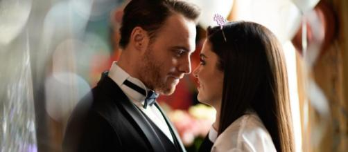 Love is in the air, i due protagonisti: Eda e Serkan.
