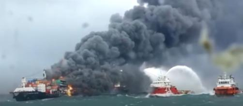 Sri Lanka navy rescue crew following chemical fire on cargo ship (Image source: BBC News/YouTube)