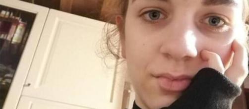 Delitto di Chiara Gualzetti: uccisa a 15 anni da un coetaneo che sostiene di essere 'indemoniato'. Il papà della ragazza non gli crede.