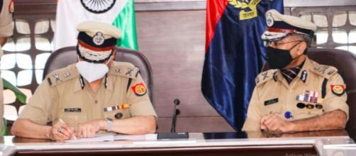 La policía de la India ha recibido denuncias en contra de ocho miembros de la familia de la chica transgénero (Twitter, @Uppolice)