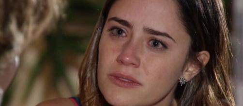 Ana desolada em 'A Vida da Gente' (Reprodução/TV Globo)