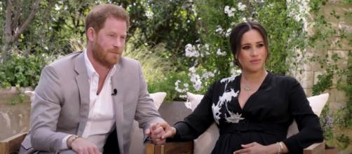 El príncipe Harry y Meghan Markle en su casa de Montecito, durante el reportaje de Ophra Winfrey (Captura)