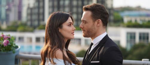 Love is in the air, anticipazioni 14-18 giugno 2021: Eda e Serkan cercano di rendere credibile la convivenza.
