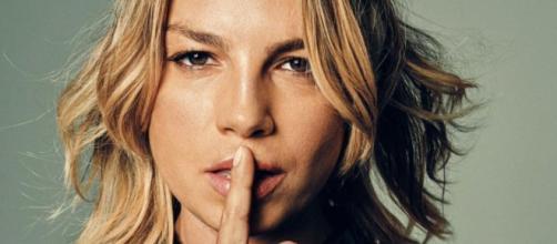 Emma Marrone nega critica al look del leader dei Måneskin: 'Create scie d'odio sui social'.