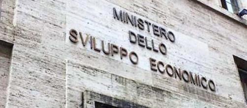 Bando Ministero dello Sviluppo Economico: borse di ricerca annuali per laureati under 30.