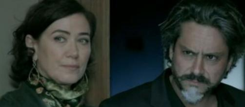 Marta traíra o marido com Maurílio em 'Império' (Reprodução/Rede Globo)