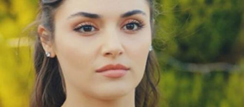 Love is in the air, anticipazioni settima puntata: Aydan umilia la fidanzata del figlio.