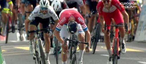 Mathieu Van der Poel vince la terza tappa del Giro di Svizzera.