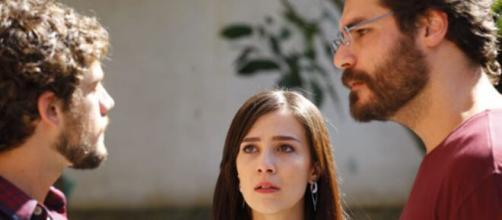 Rodrigo e Lúcio se enfrentam em 'A Vida da Gente'. (Reprodução/TV Globo)