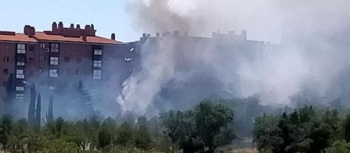 Incendio en Vicálvaro. (Foto Álvaro Anula)