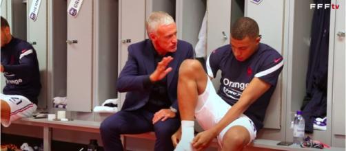 Mbappé et Didier Deschamps - Photo capture d'écran vidéo Youtube FFF TV