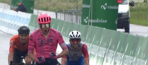 Stefan Bissegger vince la quarta tappa del Giro di Svizzera.