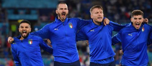 L'équipe de l'Italie lors de l'hymne nationale - Source : capture d'écran Youtube