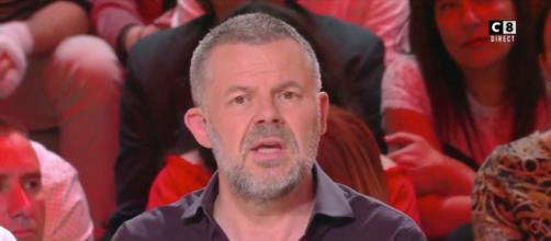 Le chroniqueur de TPMP Éric Naulleau dans BTP. Source : capture d'écran C8.
