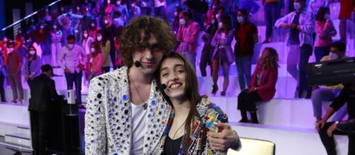 Sangiovanni: 'voglio stare con Giulia, sentirla non mi basta'.