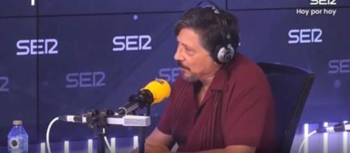 Carlos Bardem ha hablado sobre el auge de la extrema derecha en España en el programa 'Hoy por hoy'. (YouTube, Cadena SER)