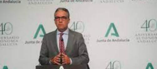 Elias Bendodo ha hecho un llamado al Gobierno español para que suministren más vacunas a Andalucía (Twitter, eliasbendodo)
