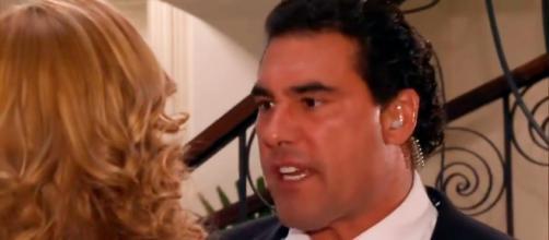 Aguiar perde a paciência com Kendra (Divulgação/Televisa)
