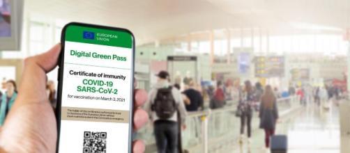 Green Pass obbligatorio in Europa nei locali e sui mezzi pubblici, l'ipotesi del governo italiano.