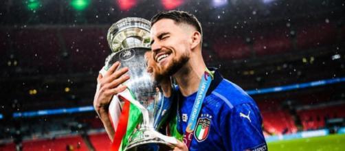 Le milieu de terrain de Chelsea et de l'Italie, Jorginho, pense pouvoir remporter le Ballon d'Or. (Credit : capture Youtube)