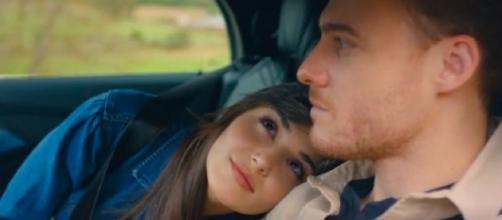 Love is in the air, anticipazioni turche: dopo una caduta Eda scorda di non essere la ragazza Serkan.