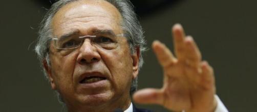 Ministro Paulo Guedes (Economia) defende que a pessoa física que recebe dividendos seja taxada (Agência Brasil)