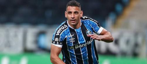 Vasco tem ineteresse em repatriar o atacante Diego Souza (Lucas Uebel/Grêmio)