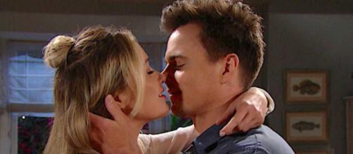 Beautiful, trame 2-8 agosto: tra Finn e Steffy nasce un flirt, Wyatt dice a Flo di amarla.