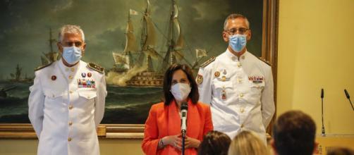 Homenaje a la Sanidad Militar contra el coronavirus con los directores del Gómez Hulla y del hospital de Zaragoza (Foto: Ministerio de Defensa)
